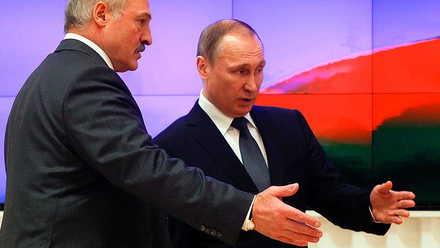 Журналист Сотник рассказал, зачем «отбитый на всю голову КГБшник» Путин в обнимку с Лукашенко играл дряблой мускулатурой на учениях «Запад-2017»