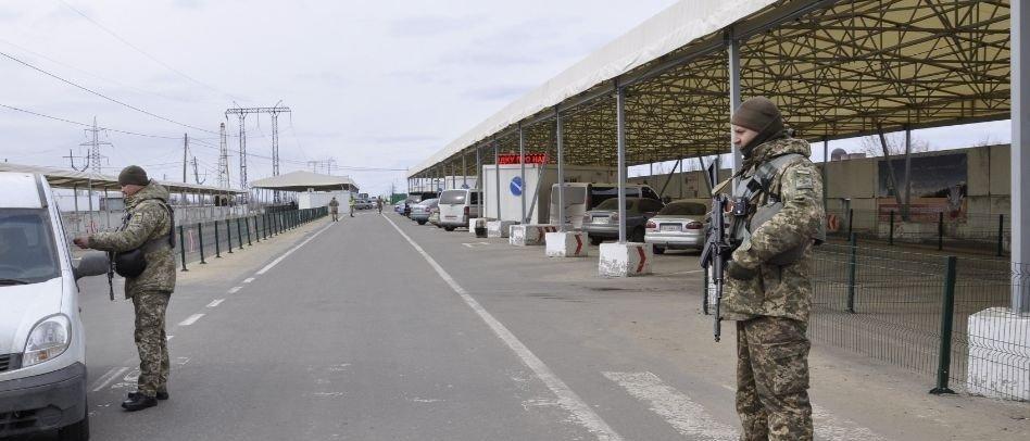 КПВВ Донетчины: Какие товары пытаются перевозить через линию разграничения