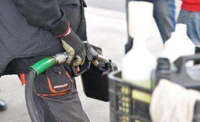 СМИ: Сети заправок ОККО злоупотребляют монополией и наживаются на водителях