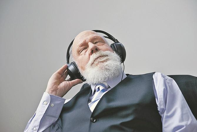 Берегите уши: главные правила, как сохранить слух в старшем возрасте