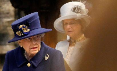 Королева Елизавета вышла в Zoom после слухов о болезни