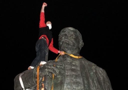 В Днепре нашли и «декоммунизировали» последнего Ленина