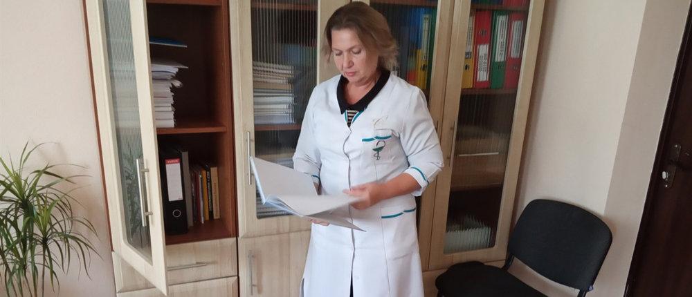 Медреформа: В прифронтовой Марьинке нагрузка на врача увеличилась, а зарплата – нет
