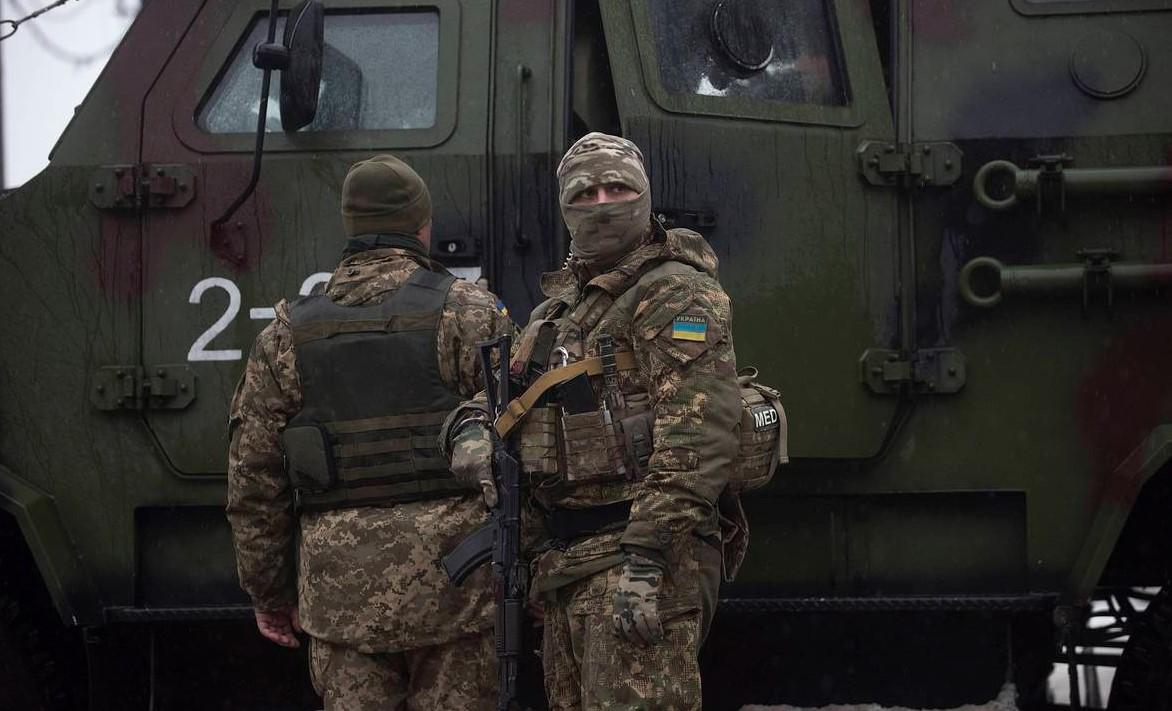 Спикер Нацкорпуса заявил, что силовики стреляли по противникам «капитуляции» на Донбассе