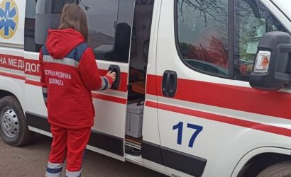 Требовала ПЦР-тест: На Донетчине женщина избила фельдшера «скоройпомощи»