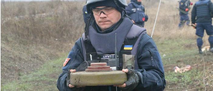 В ГСЧС Донетчины рассказали о разминировании у Петровского и Богдановки (Фото)