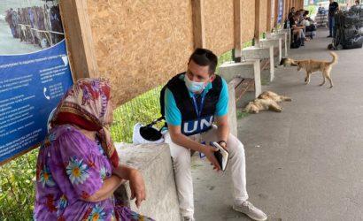 Спала на улице в Луганске, потом застряла в «серой зоне»: Как пенсионерка пересекала линию разграничения  (Фото)