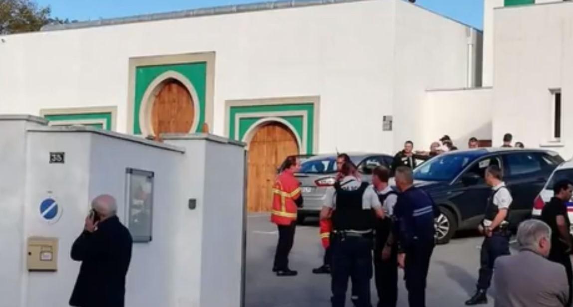 Стрельба у мечети во Франции, есть раненые
