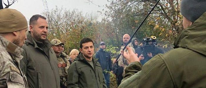 В Кремле отреагировали на общение Зеленского с добровольцами в Золотом