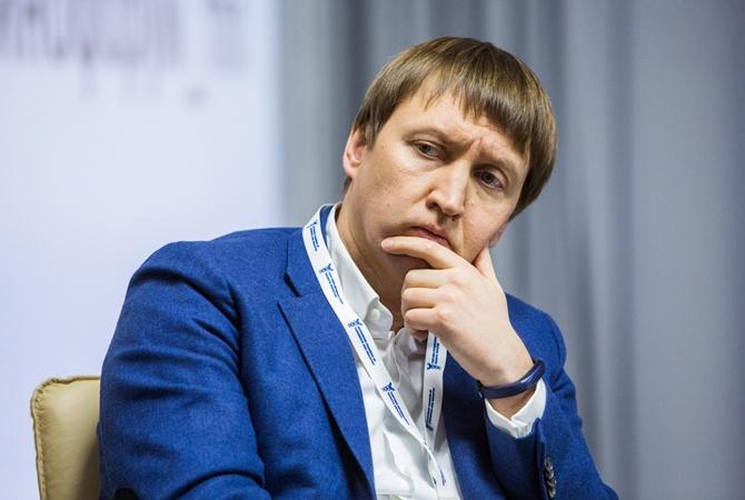 В Киеве прощаются с погибшим в авиакатастрофе экс-министром Тарасом Кутовым