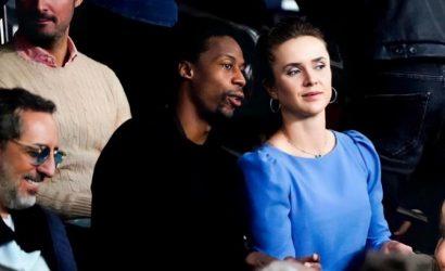 Монфис повел Свитолину в эффектном голубом платье поглазеть на Месси