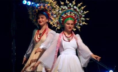 На показе в Коломые люди плакали: В Покровске 23 года работает театр мод (Видео)
