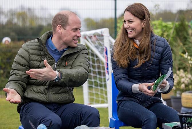 Королева и принц Чарльз поздравили принца Уильяма с днем рождения