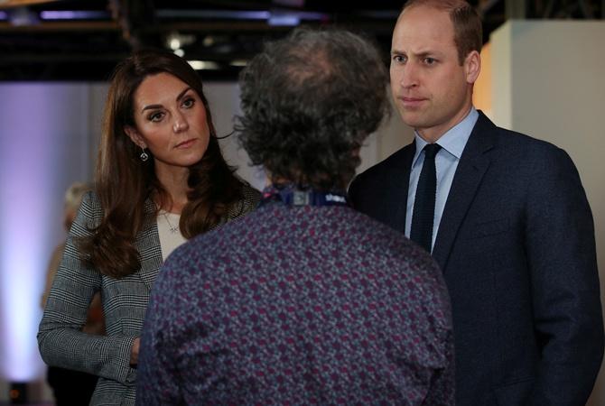 Принц Уильям поднял вопрос самоубийств подростков из-за соцсетей