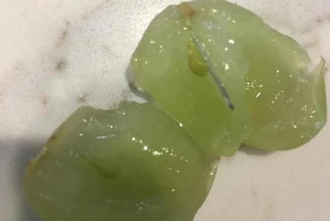 В Австралии фрукты из магазина начинили иголками