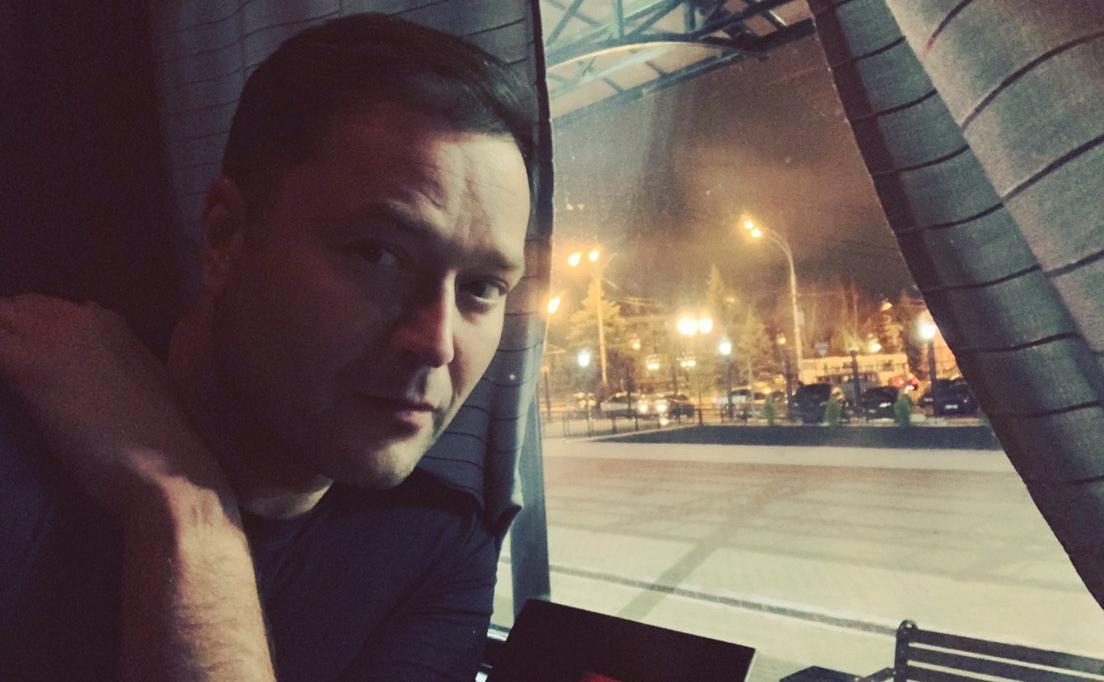 В РФ в поезде умер лидер движения «Новая Россия» Исаев