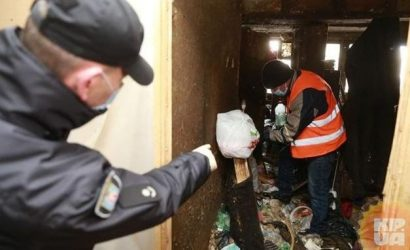 Как мы с полицей и коммунальщиками очищали квартиры от мусора