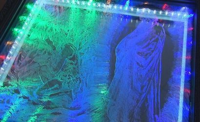 Двухмерная картина: В Бахмуте мастер перенес библейский сюжет на стекло (Фото)