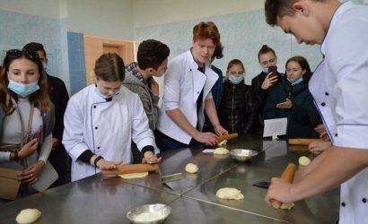 Директор ПТУ о реформе Клопотенко: Обучение действительно устарело, но научить поваров новому на старых «плитах» сложно