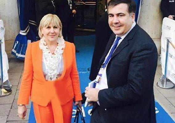 Михаил Саакашвили показал свою маму и трогательно поздравил ее с Днем матери