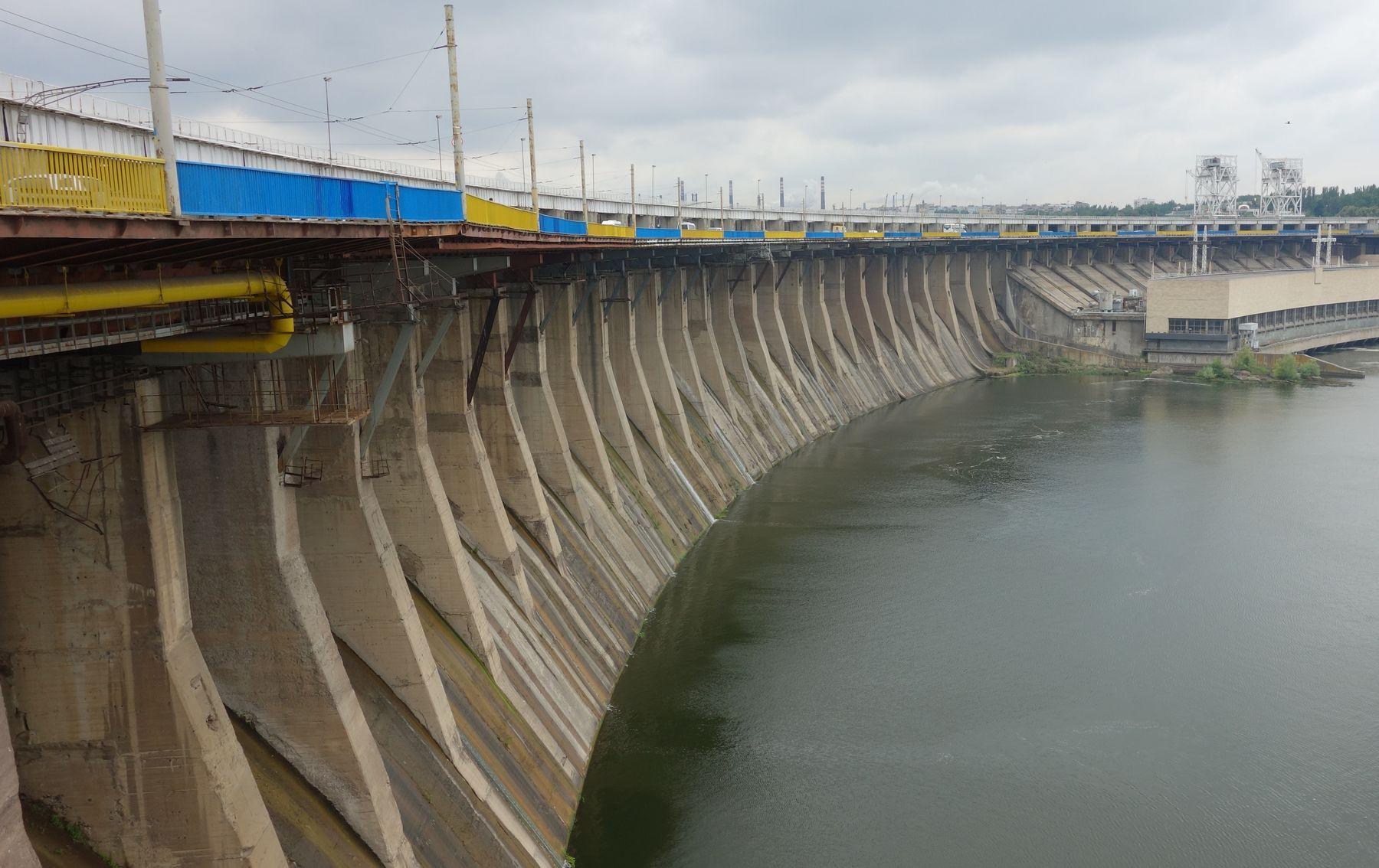 Работу плотины ДнепроГЭС хотят продлить на 50 лет