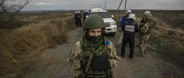 Разведение войск на Донбассе: В ЕС ожидают от России позитивных шагов и влияния на НВФ