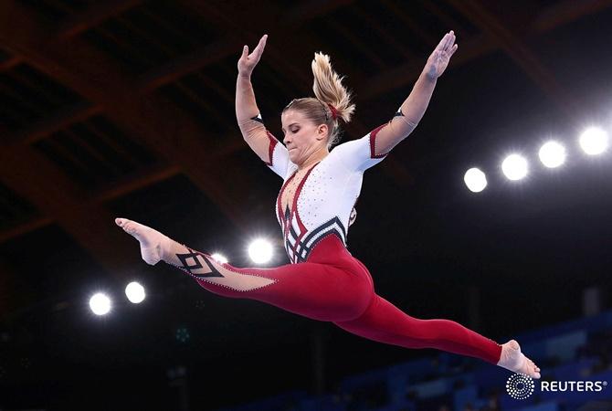 Комбинезон против купальника: в какой одежде выступали гимнастки на Олимпиаде в Токио