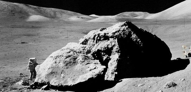 НАСА создаст новый скафандр для полетов на Луну и Марс