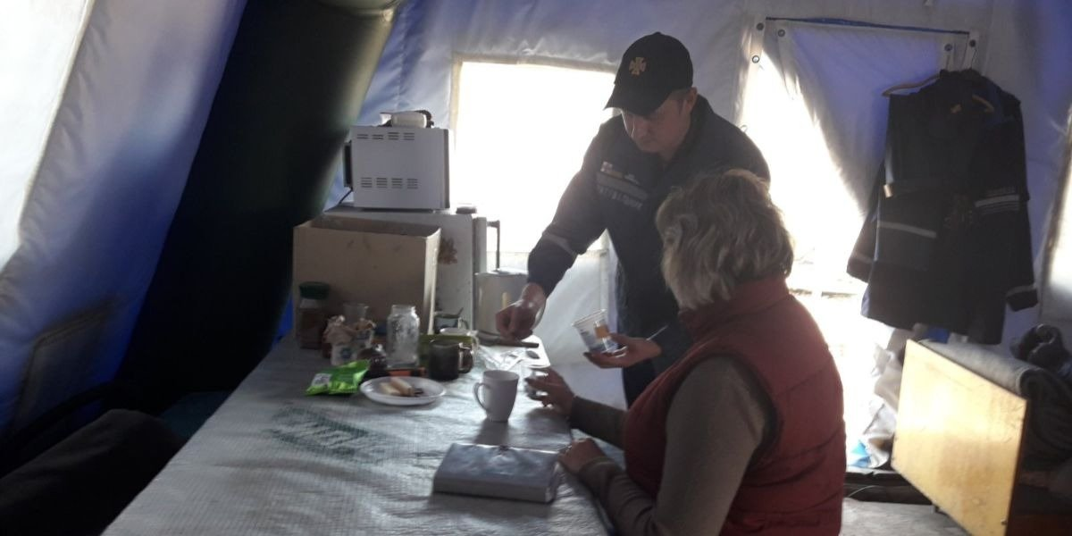 На КПВВ Донетчины спасатели оказали помощь более 100 тыс. человек