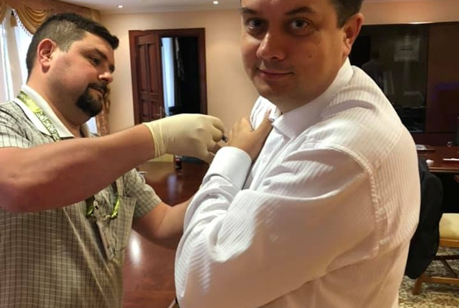 """""""Слуги народа"""" сделали прививки от дифтерии"""