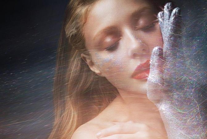 Тина Кароль в новой песне «Иди на жизнь» рассказала о своем внутреннем ребенке