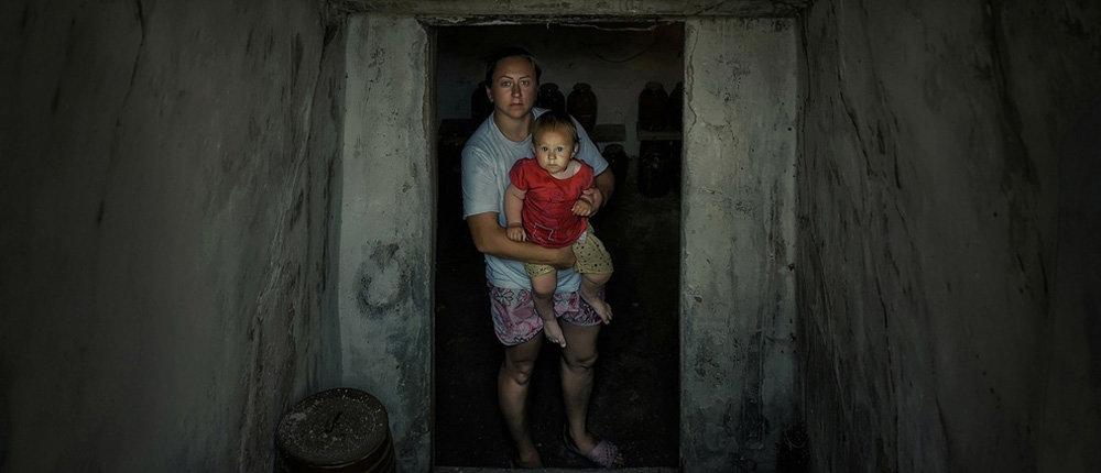 Доводя себя до отчаяния: Фотограф-переселенка снимает детей «серой зоны» Донбасса (Фото)