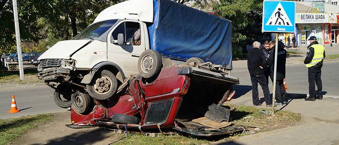ДТП в Краматорске: «Газель» раздавила легковое авто (Фото)