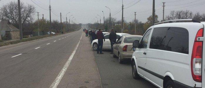 В соцсети показали огромные очереди на «республиканских» КПП под Горловкой и в Еленовке (Фото)