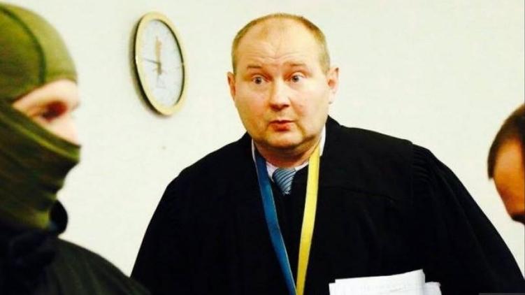 У жены Чауса изъяли вещдоки по делу о причастности Порошенко к вывозу экс-судьи в Молдову
