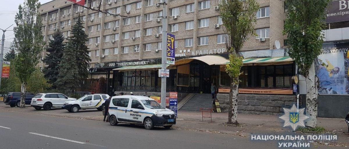 Минирование бизнес-центра в Краматорске оказалось ложным (Фото)