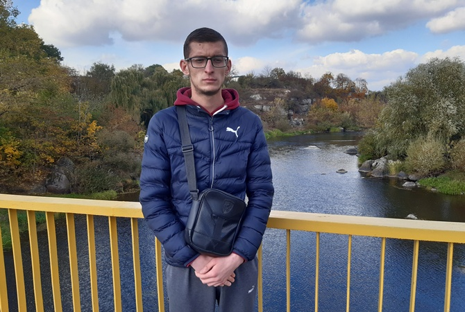Студент-юрист спас девочку, упавшую с 7-метрового моста