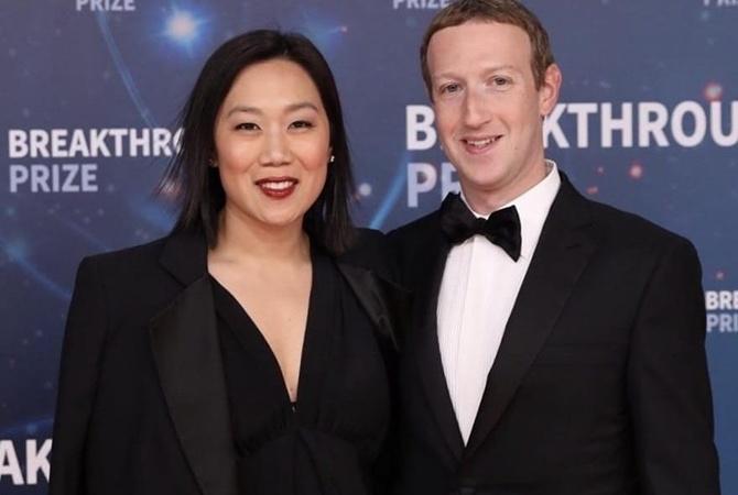 Цукерберг поздравил супругу с годовщиной знакомства