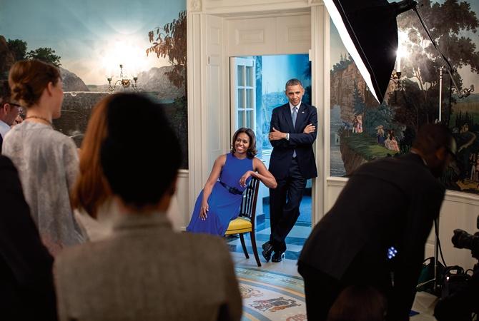 В сети появились «живые кадры» Барака и Мишель Обамы в Белом Доме