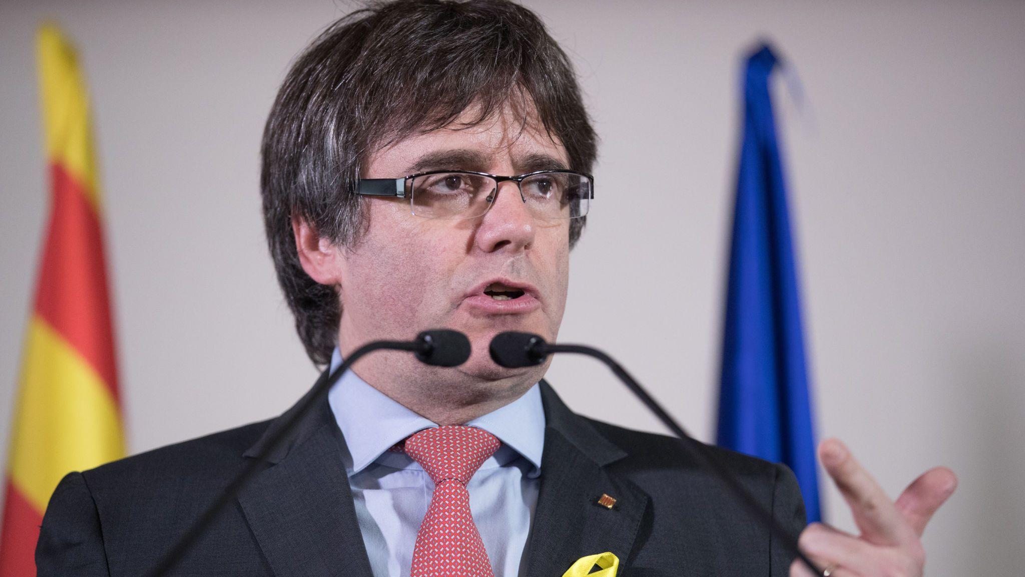 Испания выдала международный ордер на арест Пучдемона