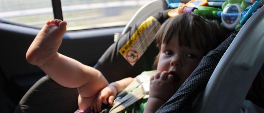 В Украине будут штрафовать водителей за перевозку детей без автокресел
