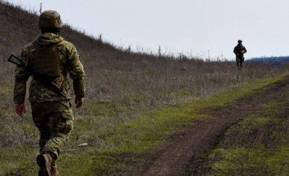 Украинский военнослужащий погиб и один ранен на Донбассе в воскресенье