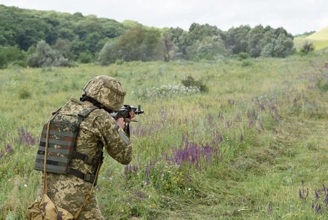На Донбассе ранен украинский воин: противник применял гранатометы и пулеметы