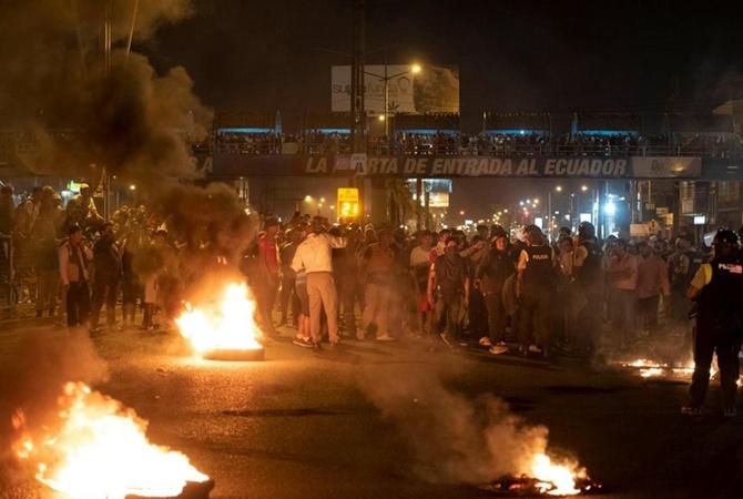 Эквадор протестует из-за дорогого топлива: правительство покинуло страну