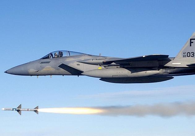 Байдену предлагают передать Украине 100 истребителей-бомбардировщиков F-15