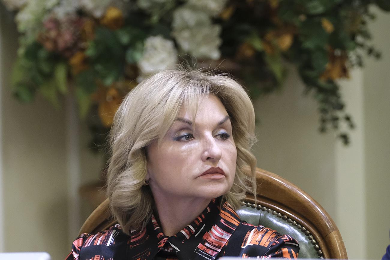 Луценко сдала мандат