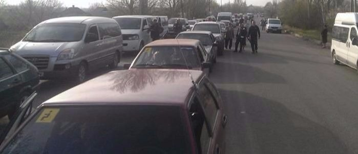Огромные очереди: В ОБСЕ рассказали о ситуации в двух пунктах пропуска
