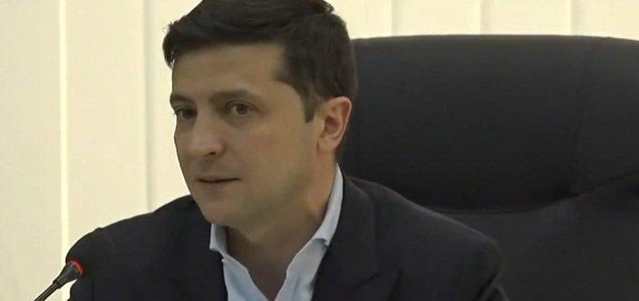 Зеленский поручил Кабмину разработать общий стандарт новостей для СМИ