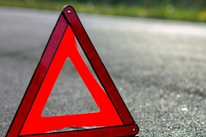 Под Луганском водитель на Audi сбил женщину и двух детей