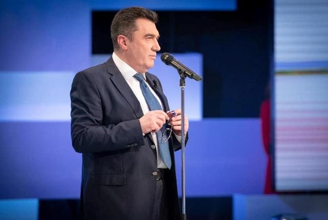 Данилов сообщил о трех украинских прототипах вакцины от коронавируса